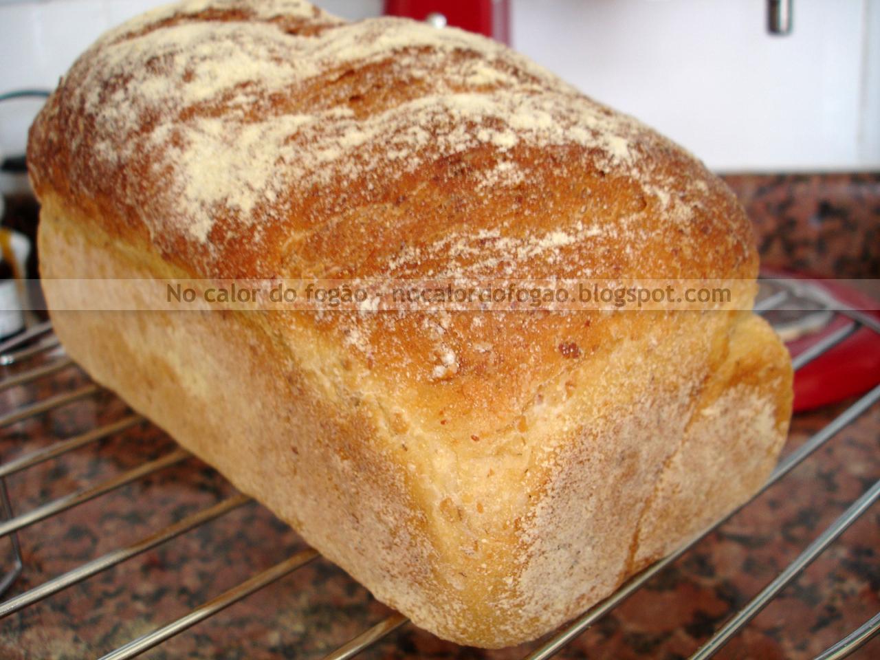 Pão de aveia e soro de iogurte