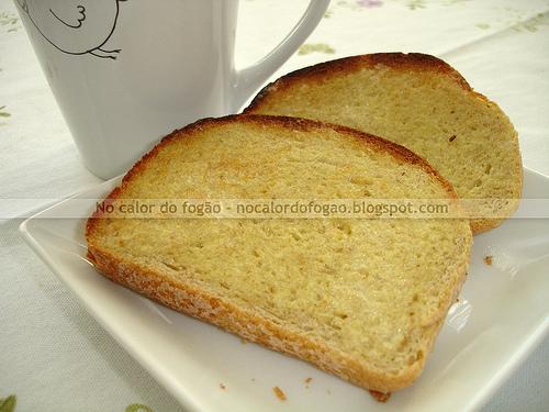 Pão com gérmen de trigo e semolina