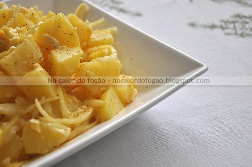 Salada morna de batatas