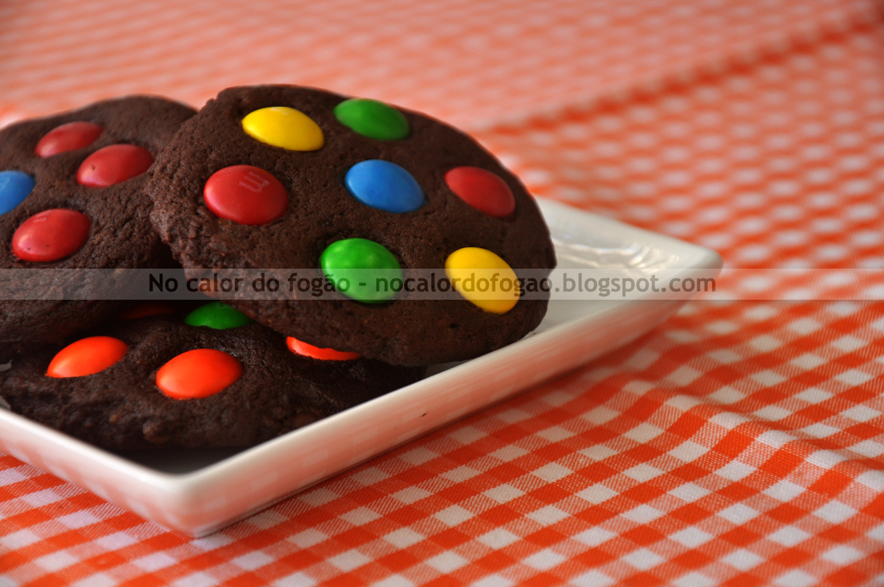 Cookies de chocolate com M&Ms