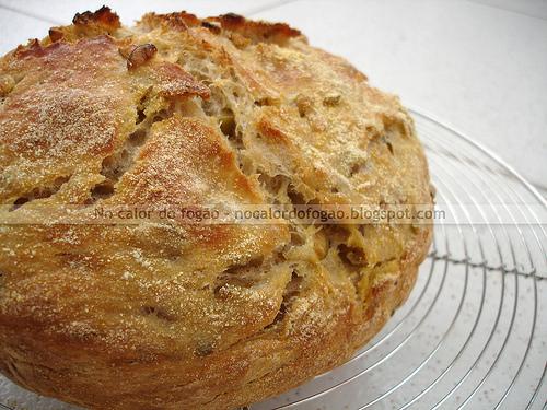 No-knead bread de azeitonas