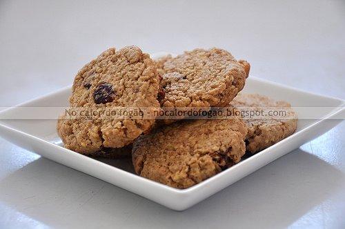 Cookies de aveia, cranberries, limão e chocolate branco