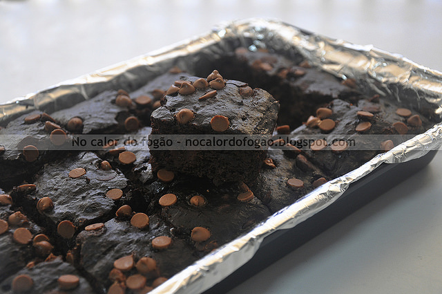 Bolo/brownie triplo de chocolate