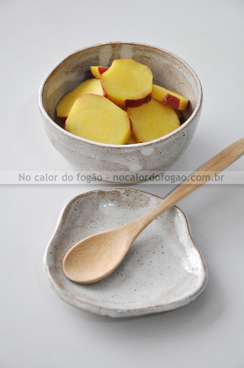 Satsumaimo no remon ni (batata-doce cozida com limão)