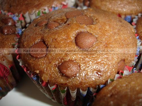 Muffins de chocolate com gotas de chocolate ao leite