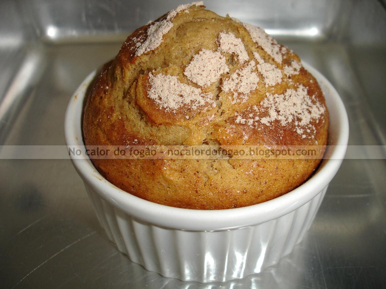 Muffins de banana, amêndoas e canela