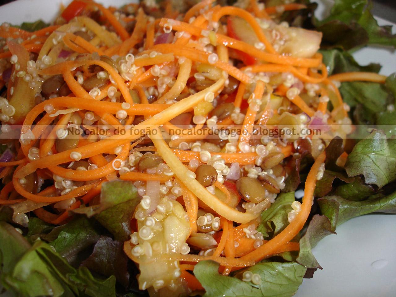 Salada de quinoa e lentilhas