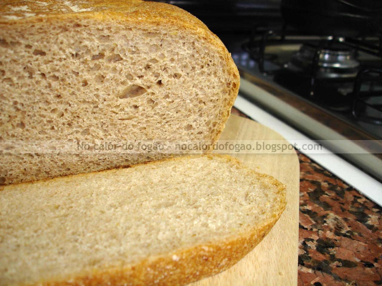 Pão integral com tomilho