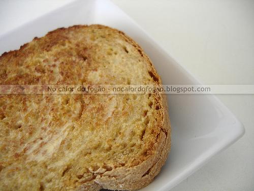 Pão com farinha integral e flocos de amaranto