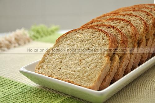 Pão de gérmen de trigo e quinoa em flocos