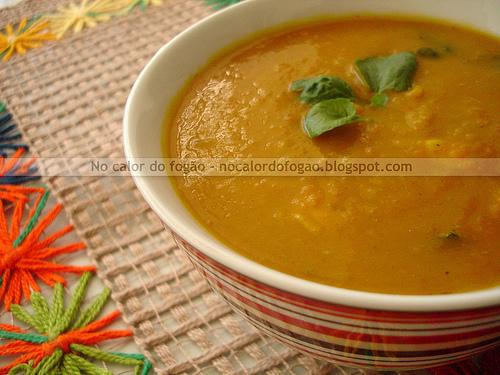 Sopa de abóbora e cenoura assadas