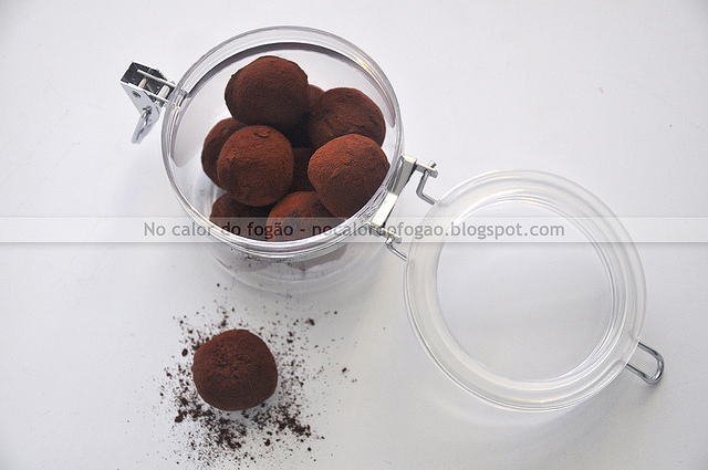 Trufas de chocolate amargo e Nutella