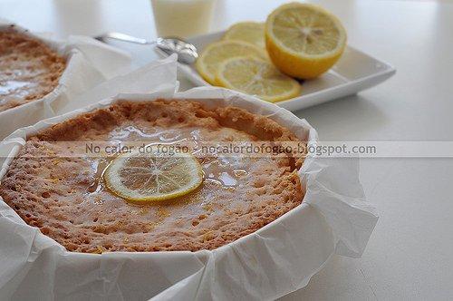 Bolo de chocolate branco e limão siciliano